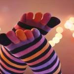 足の冷えをとり治す健康法はコレ!靴下の重ねばきで美脚効果も!